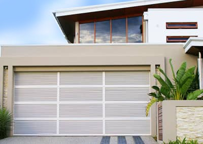 white aluminium-louvre-garage-door